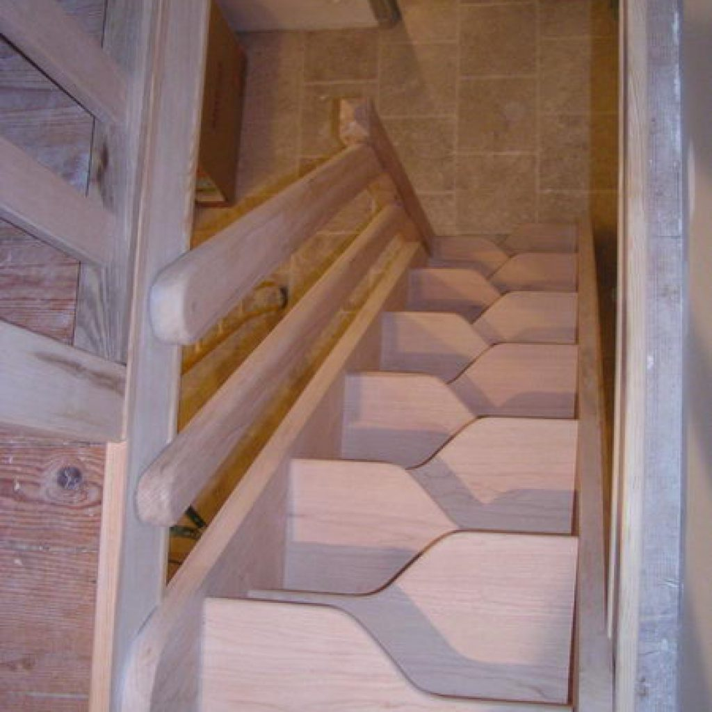 03 02 escalier pas d cal espace bois. Black Bedroom Furniture Sets. Home Design Ideas