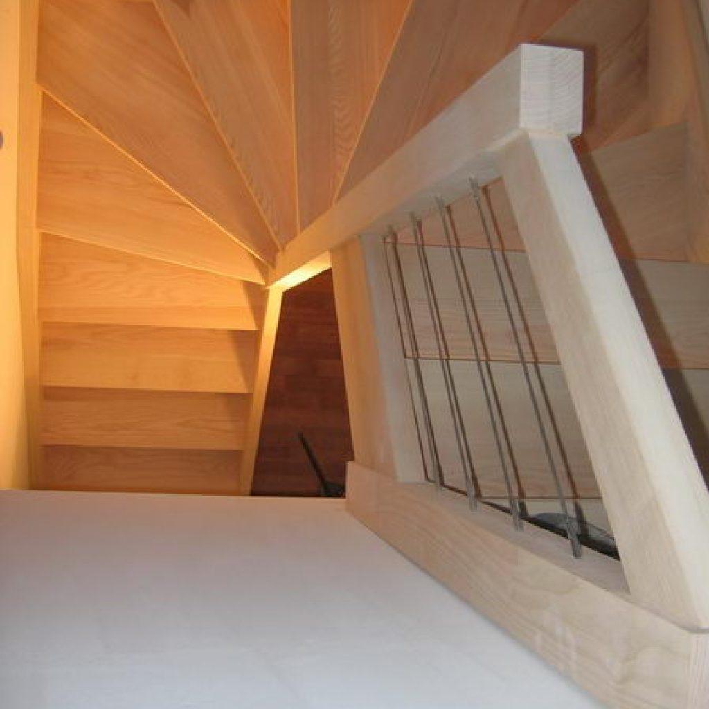 06 02 escalier 2 4 tournant rampe sur rampe espace bois. Black Bedroom Furniture Sets. Home Design Ideas