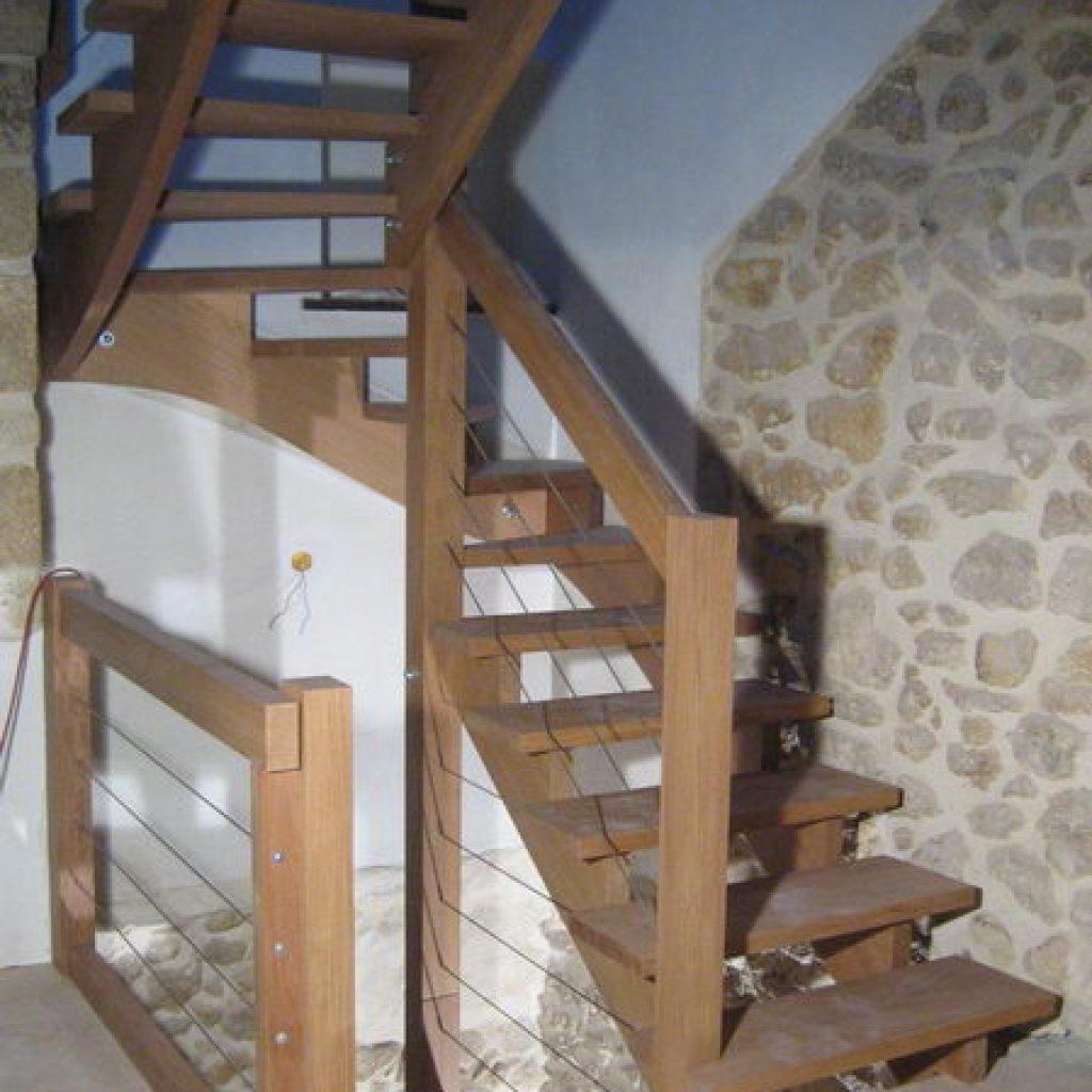 08 04 escalier 2 4 tournant rampe sur rampe sur 2 niveaux. Black Bedroom Furniture Sets. Home Design Ideas