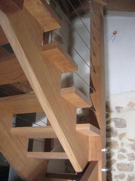 escalier en cremaillere acheter un escalier limons d coup. Black Bedroom Furniture Sets. Home Design Ideas