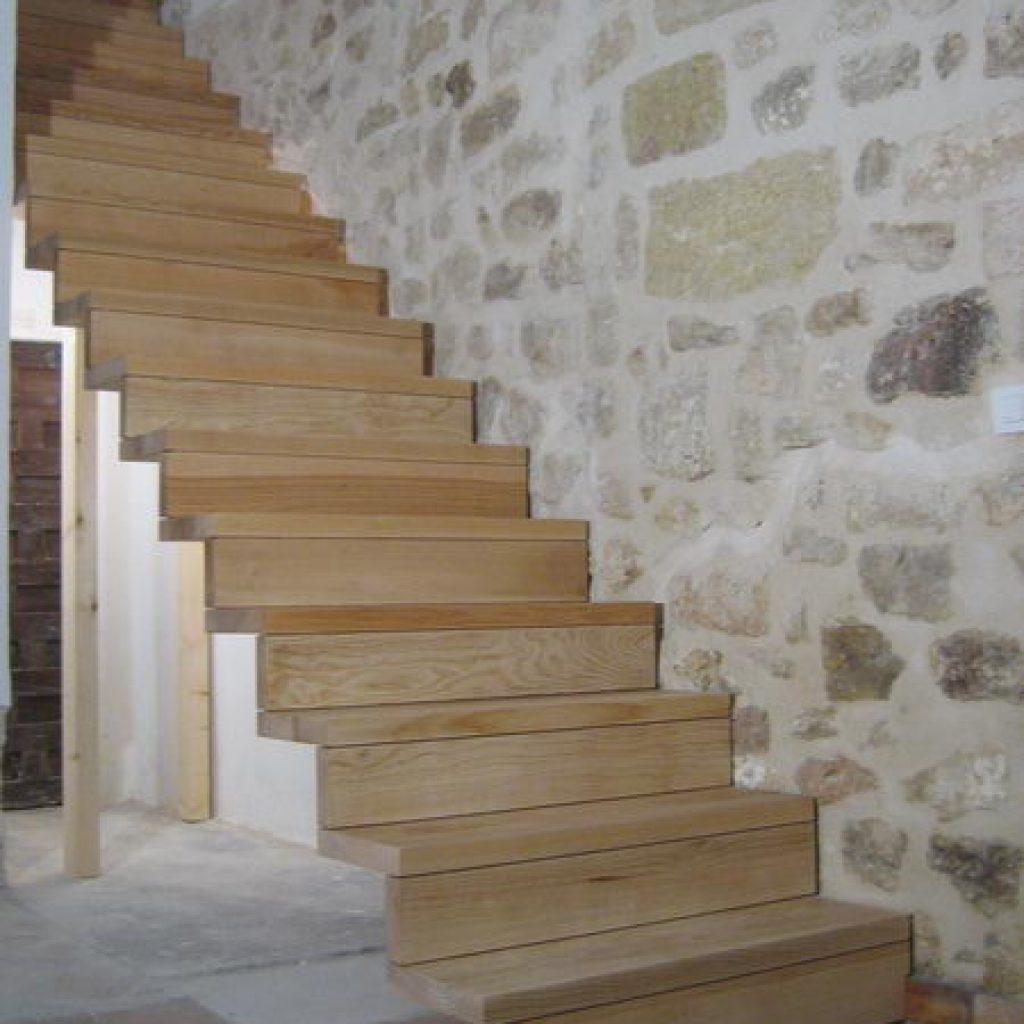 09 01 escalier droit sur cr maill re espace bois. Black Bedroom Furniture Sets. Home Design Ideas