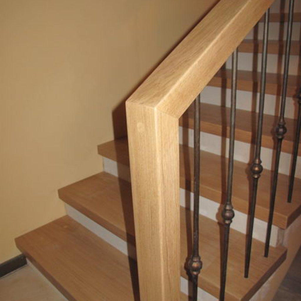 1120 habillage escalier béton et rampe en fer forgé