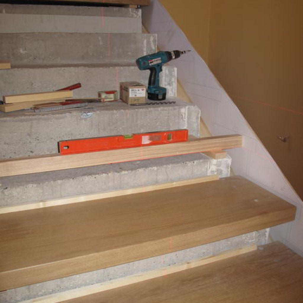 11 20 habillage escalier b ton et rampe en fer forg espace bois. Black Bedroom Furniture Sets. Home Design Ideas
