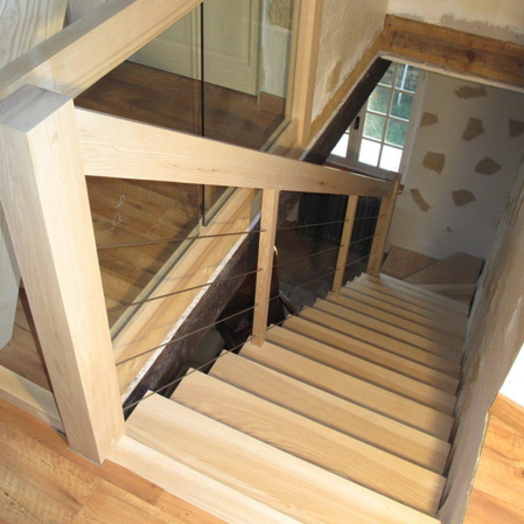 09 12 escalier en bois contemporain 1 4 tournant garde corps en c ble inox espace bois. Black Bedroom Furniture Sets. Home Design Ideas