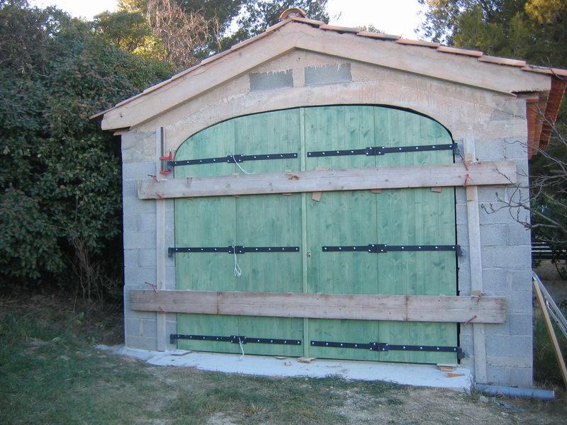 04 09 porte de garage cintr en 3 plies pic a 4 vantaux espace bois. Black Bedroom Furniture Sets. Home Design Ideas
