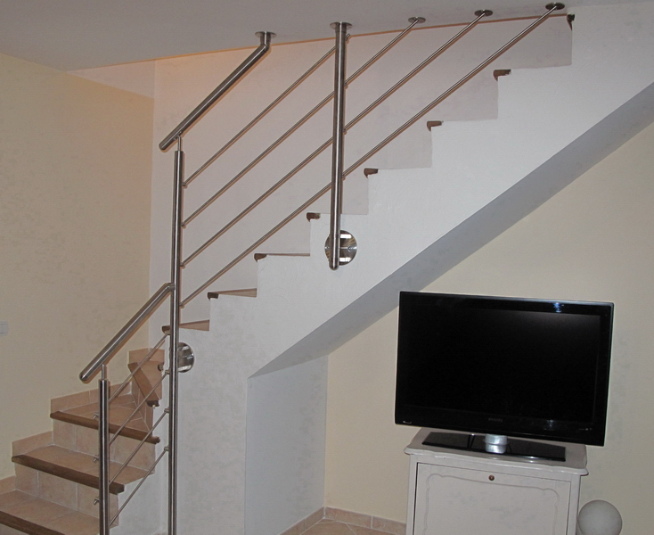 11 05 rampe et garde corps en tube inox sur escalier b ton. Black Bedroom Furniture Sets. Home Design Ideas